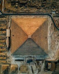 Fotógrafo usa su dron para mostrarnos las pirámides de Guiza desde las alturas