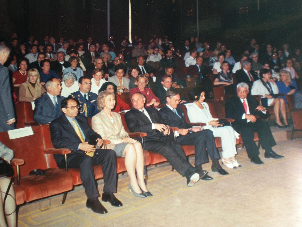 Invitación de la AEDE a S.M. la Reina 8-IV-1998  (8)
