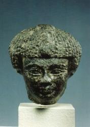 Cabeza estatua Senuseret I Diorita 11,1 cm Procedenia desconocida inv nº 2906 din XII