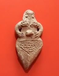 Figurilla femenina terracota Reino Medio