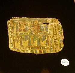 Fragmento dcho cartonaje femenino Ptolemaico Dra Abu el Naga S III äC