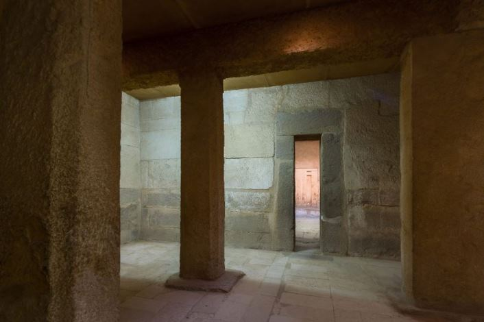Describing Egypt: Paseo virutal por la mastaba de Ajethotep y Ptahhotep D64