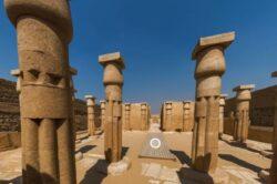 Describing Egypt: paseo virtual por la tumba de Horemheb en Saqqara